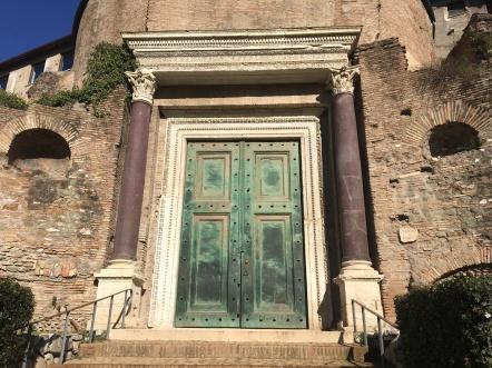 Tor an altem Gebäude, Palatin